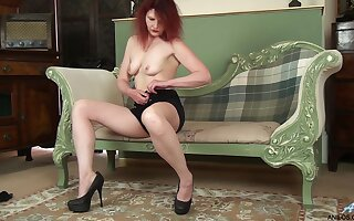 Homemade amateur video of mature Cee Cee having some naughty fun