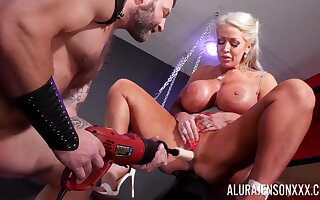 Cougar mom plays submissive in pretty dirty maledom XXX play