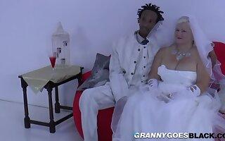 Grandma Bride Suck Black Prima ballerina Employ - Interracial In