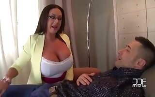 Milfs Big Tits provide the Ultimate Therapy 19 min