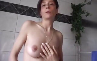 Horny Deutsch girl masturbating Milf masturbiert