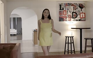 Mature pornstar Sovereign Syre drops not susceptible her knees to make him hard