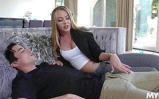 19 yo virgin brat enjoys meeting his young stepmom Jeanie Marie Sullivan