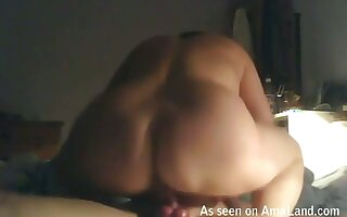Fat enticing woman loves to facesit her fuck buddy during sex