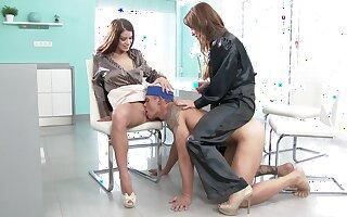 Oomph models Aleska Diamond added to Betty Swollocks pleasure one guy